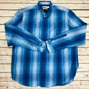 Calvin Klein Men's Shirt Button down blue size XL
